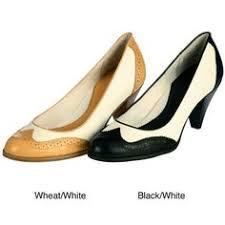 bass women u0027s greenwood spectator pump i u0027ve got those happy feet
