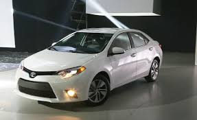 toyota corolla 2014 photos 2014 toyota corolla pictures photo gallery car and driver