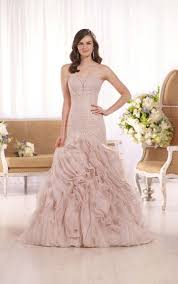 59 best wedding dress images on pinterest wedding dressses