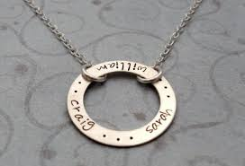 Engraving Necklaces Circle Pendant Necklace 95 Green Holiday Gift Guide