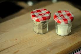 a pretty cool life diy tiny jam jar salt u0026 pepper shakers