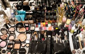 makeup for makeup artists the do s and don ts of becoming a make up artist for one of us