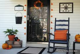 Transitional Decorating Blogs Turn Fall Decorating Ideas Into Halloween Decor On Your Front Porch