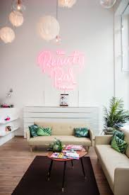 Wall Bar Ideas by Best 25 Beauty Bar Ideas On Pinterest Beauty Bar Salon Makeup