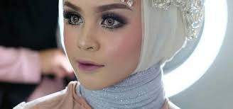 Make Up Artist Bandung make up by fina kirana corp