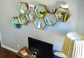 Diy Livingroom Decor by Diy Honeycomb Shelves Loving Here