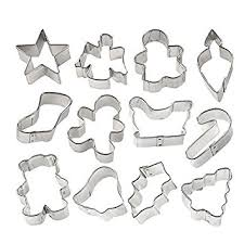 amazon com wilton holiday mini cookie cutter set of 12 2308 1250