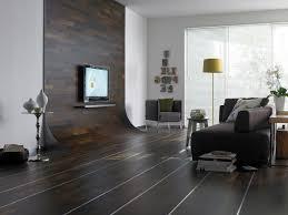 Wohnzimmer Heimkino Ideen Wohndesign 2017 Coole Dekoration Wohnzimmer Dunkler Boden