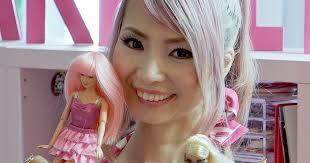barbie u0027s biggest fan splashes 55 000 transforming