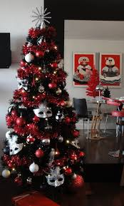 Glitter Decorations For Christmas by Black Christmas Tree Decorations 2013 Black Christmas Tree Red