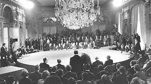 Ngày 30-4-1975, Hoa Kỳ chạy khỏi VNCH Images?q=tbn:ANd9GcTRcWO7iX7UII7gpYZbBBXF8F1kKy_mR0IY1r0jsSsIHXJe2jhT