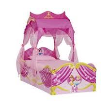 chambre princesse conforama lit princesse conforama table de lit a roulettes
