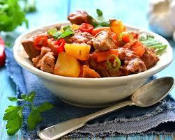 cuisiner jarret de boeuf recette jarret de boeuf aux petits légumes