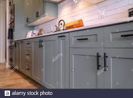 black handles on oak kitchen cabinets kitchen cabinets with white countertop black handles and