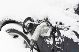 nissan leaf in snow winter driving tips for electric vehicles guides plugin