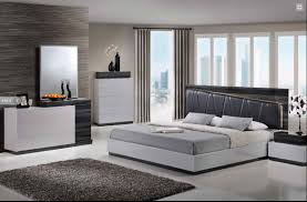 Bedroom Set With Leather Headboard Laura Modern Silver Grey Lacquered Bedroom Set With Black Leather