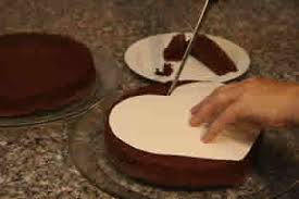 How To Decorate Heart Shaped Cake How To Make A Heart Shaped Valentine U0027s Day Cake