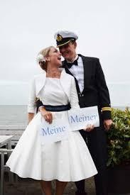 rockabilly brautkleid knielanges modernes rockabilly hochzeitskleid im marinelook mit