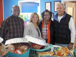 elks donate thanksgiving dinners to west side new beginnings