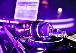 dj table for beginners dj equipment for beginners everything you ll need to master edm
