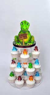 dinosaur cupcakes dinosaur cupcake tower cakecentral