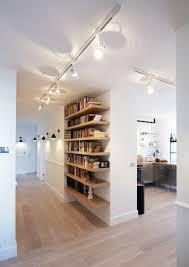 illuminazione su binario illuminare piccoli spazi lade da ingresso design