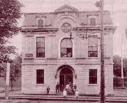 bureau de poste sorel lévis vers 1920 tramway devant le bureau de poste de lévis