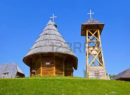 architektur reisen holzboden im dorf drvengrad mecavnik serbien architektur
