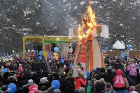 russians burn 30m high maslenitsa effigy during traditional