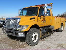 2003 international 7400 crewcab service truck item b4633