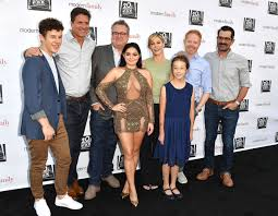 ariel winter wears cleavage baring dress for casual carpet