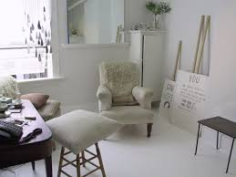 ouno design diy paint your linoleum floor white