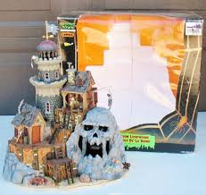 lemax spooky town isle of doom lighthouse 2004 pirate island