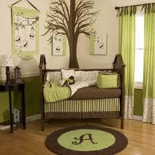 chambre b b vert deco chambre bebe vert et marron visuel 3
