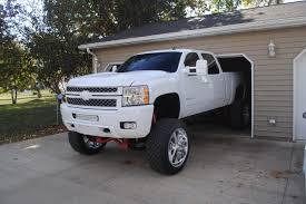 customized chevy trucks mighty mean white truck derek meinder u0027s 2013 silverado 2500hd