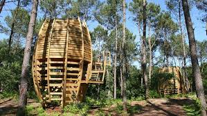 cool tree houses a stay in the treetops cool treehouses you can sleep in around