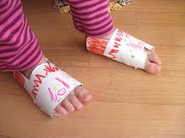 preschool crafts kids recycled toilet paper roll slippers craft