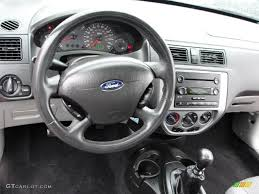 ford focus 2006 zx3 charcoal charcoal interior 2006 ford focus zx3 se hatchback photo