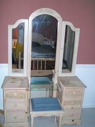 Oak Bedroom Vanity Furniture Beauteous Bedroom Decoration Using Natural Finish