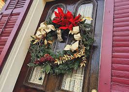 Christmas Decorations For Outside Door by Last Minute Christmas Window Decoration Ideas Windowrepairguy Com