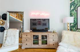 pictures of wall decorating ideas 13 wall decorating ideas for apartment dwellers freshome com