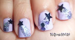 glittery shooting stars nail art for short nails diseño de