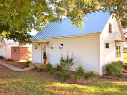 1 of 3 modern farmhouses on 10 acres 5 homeaway fredericksburg