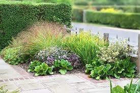 Small Garden Plants Ideas Small Garden Ideas And Tips How To Design Gardens In Limited Spaces