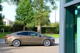 lexus is300h bik ford mondeo vignale hybrid review greencarguide co uk