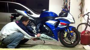 how to change oil on a motorcycle gsxr 1000 youtube