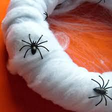 katy clouds spooky spider halloween wreath diy