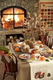 the thanksgiving decoration ideas on these tables pottery