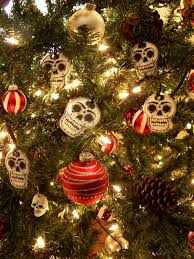 frida and skull themed tree what a wonderful idea