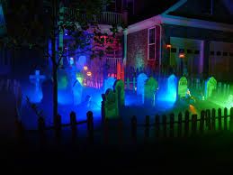 Best Halloween Light Show Best 20 Yard Haunt Ideas On Pinterest Halloween Graveyard